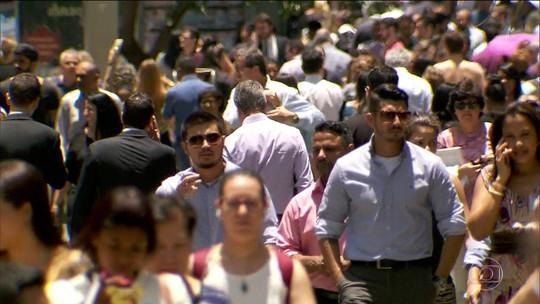 Pesquisa revela que 61 milhões de brasileiros estão com dividas atrasadas