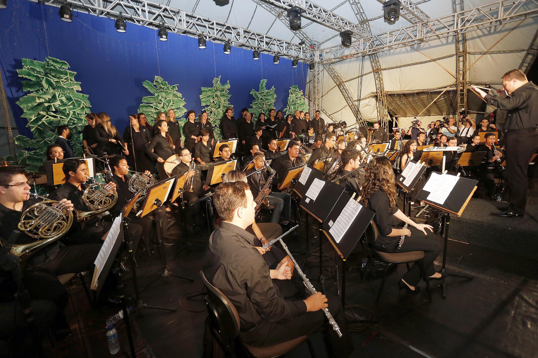Fim de semana no noroeste do Paraná tem festival de música e poesia e encontro de carros antigos