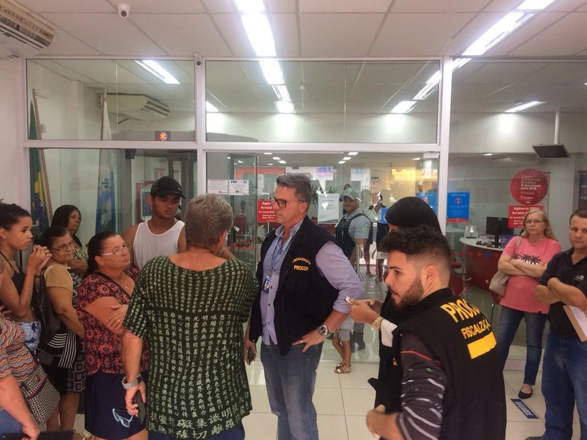Agências bancárias são autuadas por não aceitarem boletos de IPTU e outras contas em Arraial do Cabo, no RJ