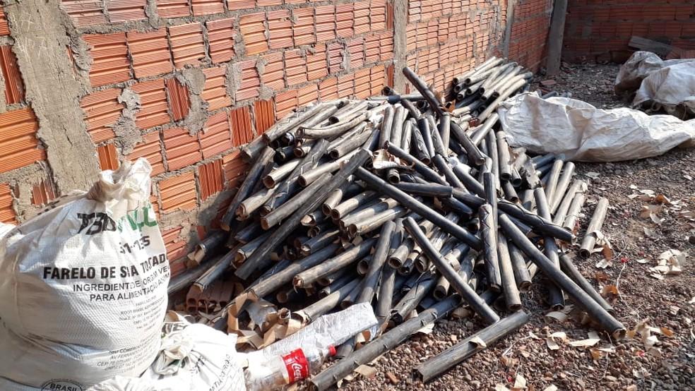 Material furtado de empresa de telecomunicação foi recuperado pela polícia — Foto: Derf Cuiabá