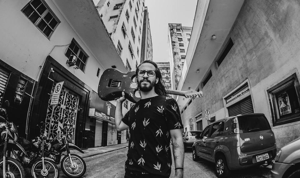 Artista Fernandes é uma das atrações do festival Rock na Calçada (Foto: Anderson Medeiros/Divulgação)