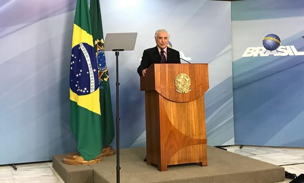 O presidente Michel Temer, durante pronunciamento no Palácio do Planalto (Foto: Fernanda Calgaro/G1)