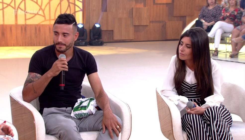 Alan Ruschel com a noiva, Marina Storchi (Foto: TV Globo)