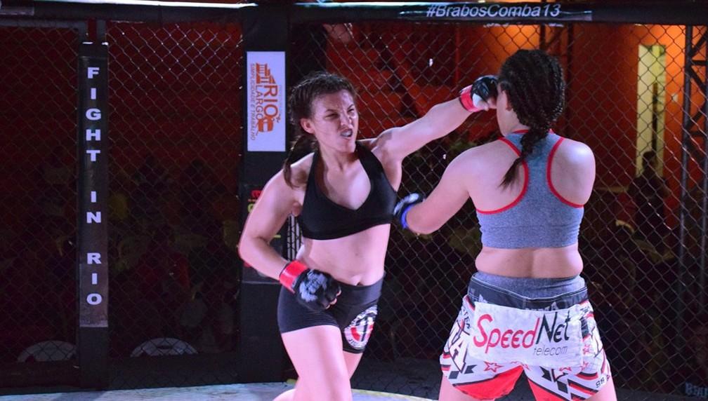 Kalynne Omena aceitou lutar mesmo quando a adversária não bateu o peso (Foto: Josué Seixas/GloboEsporte.com)