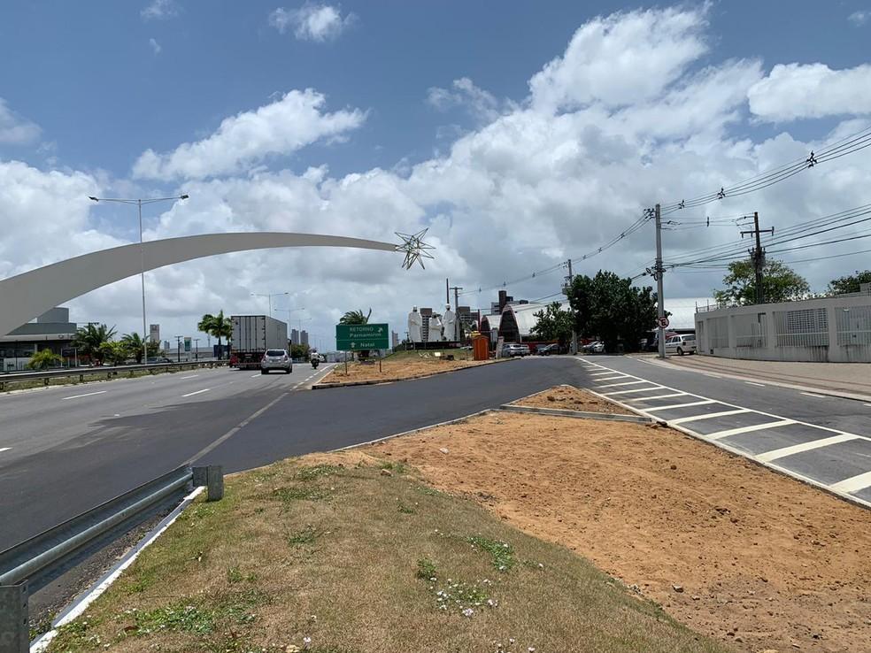 Entrada para a via marginal foi instalada antes do pórtico dos Reis Magos, na BR-101, em Natal — Foto: Dnit/Divulgação