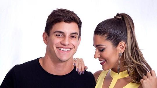 Ex-BBBs Vivian e Manoel fazem balanço do primeiro mês de namoro