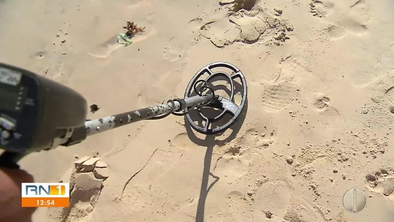RN1 foi conhecer o 'caçador de tesouro' das praias de Natal