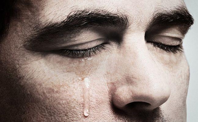 Homem chorando (Foto: Arquivo Google)