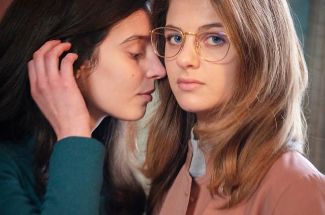 Lila (Gaia Girace) e Lenu (Margherita Mazzucco (Foto: Reprodução)