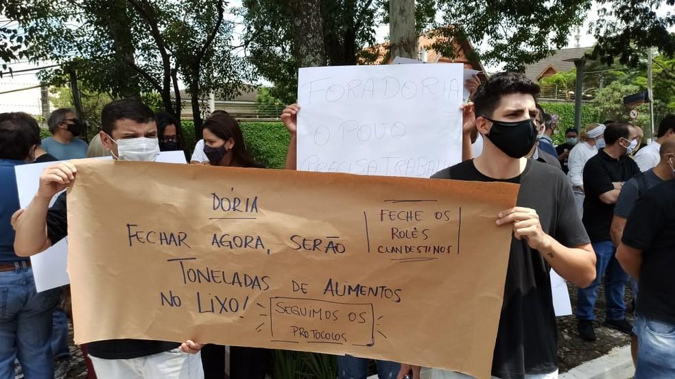 Manifestantes contrários à fase vermelha do Plano SP — Foto: Thiago Guerreiro/TV Globo