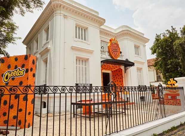 A marca de snacks Cheetos abre as portas de sua casa interativa e instagramável para receber os fãs do Chester Cheetah (Foto: Divulgação)