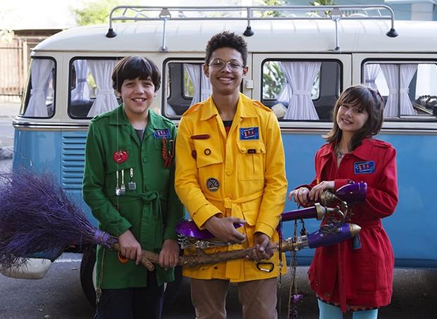 Pippo, Bento e Sol farão um vôo de vassoura em DPA2 (Foto: Divulgação)