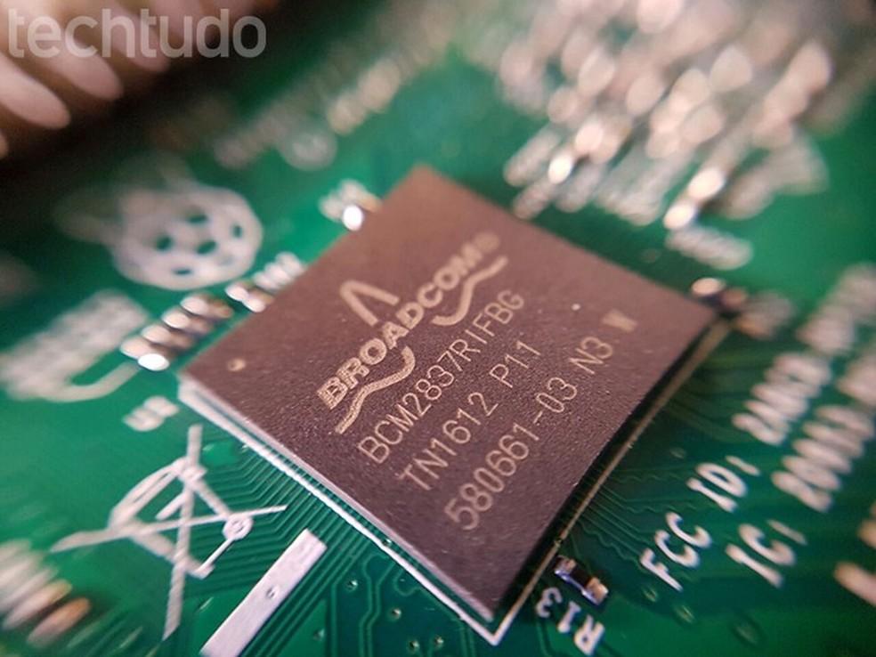 Processadores ARM, presentes em smartphones e tablets, podem ser afetados pelas vulnerabilidades (Foto: Filipe Garrett/TechTudo)