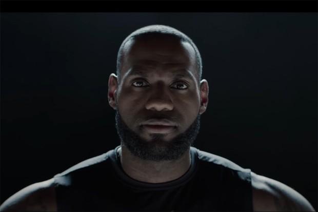 """""""Sempre fui fã da marca"""", afirma o astro do Los Angeles Lakers, Lebron James, em entrevista após gravar o comercial (Foto: Divulgação)"""