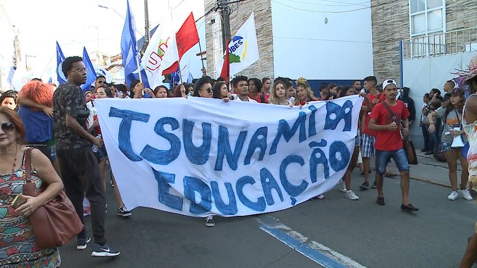 16h30 - Protesto em São Luís (MA) deve ser realizado até o fim da tarde desta terça-feira (13) — Foto: Luís Alfredo/TV Mirante