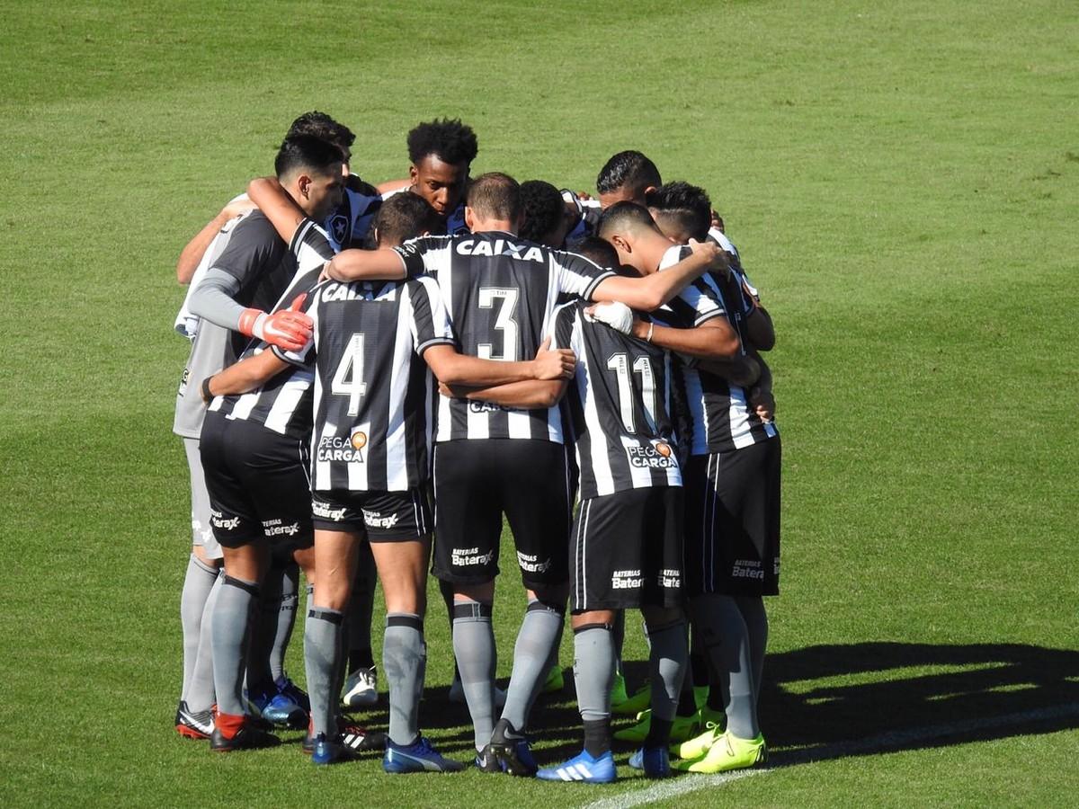 a854cc34cee15 Trinca inédita de vitórias no ano é mais do que alívio no Botafogo