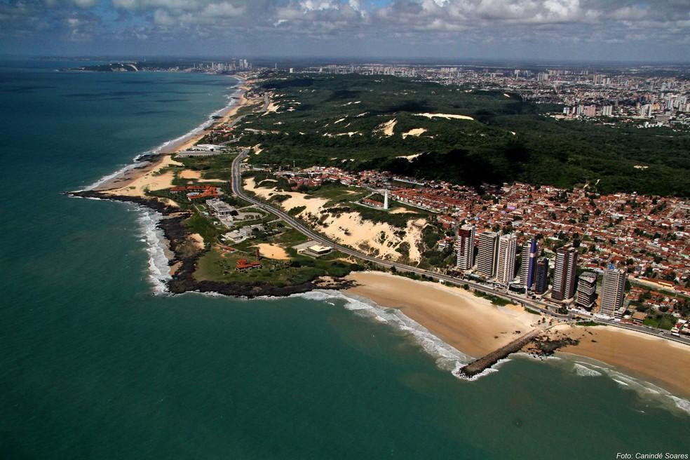 Vista aérea da Praia de Areia Preta, em Natal — Foto: Canindé Soares/Cedida