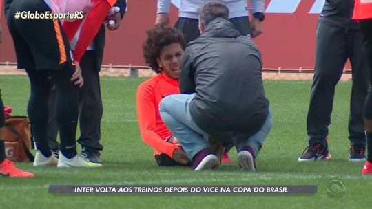 Inter x Chapecoense: Nonato sente tornozelo direito e sai de treino amparado por Odair