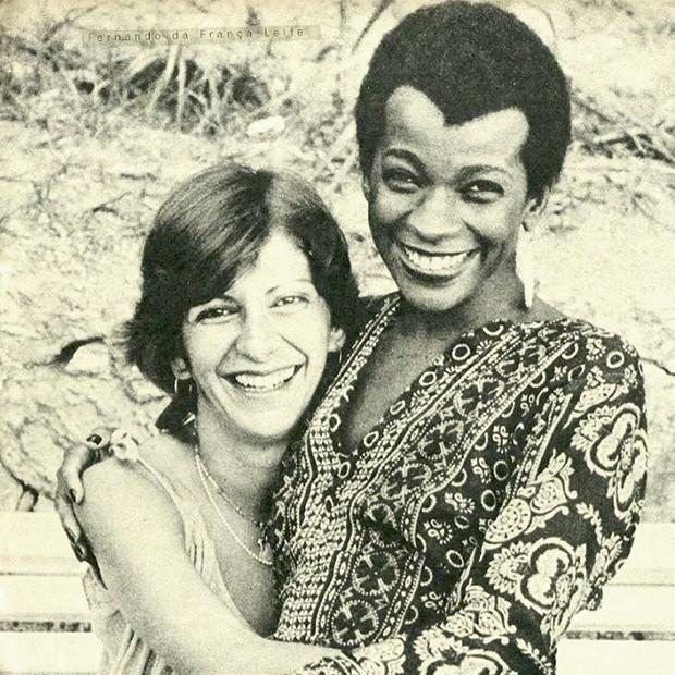 Zezé Motta: em 1972, com a amiga e comadre Marília Pêra (Foto: Divulgalção)