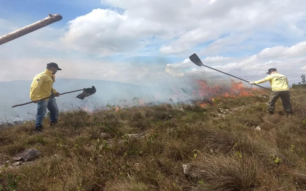 Incêndio Serra de Itabaiana (SE) — Foto: Marleno Costa