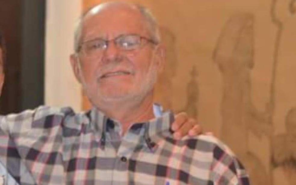 José Batistela estava em caminhão quando foi atingido por pedra — Foto: Arquivo pessoal