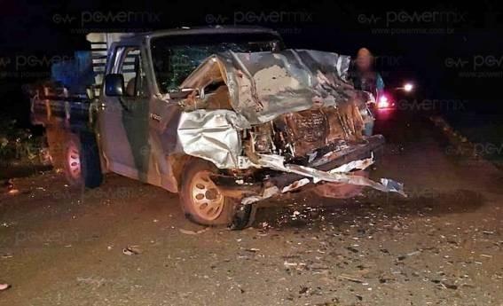 Seis pessoas da mesma família morrem em acidente envolvendo carro e caminhonete em MT
