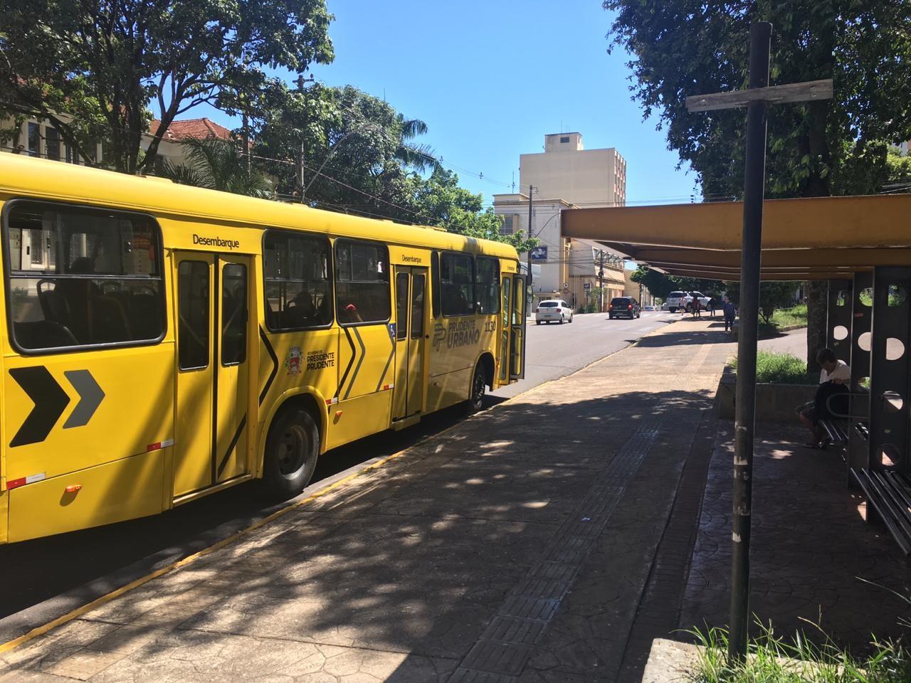Prudente Urbano tenta derrubar na Justiça multa aplicada pela Semob por retirada de ônibus de duas linhas