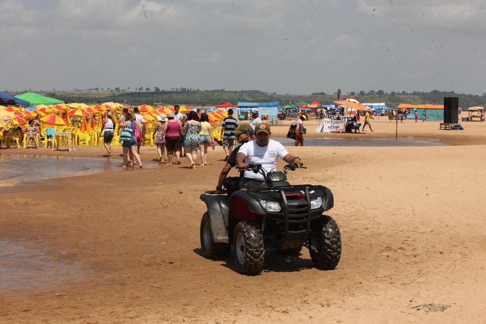 Praia do Tucunaré é poit do verão em Marabá.  — Foto: Claudio Pìnheiro/ Amazônia Jornal