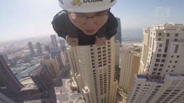Tirolesa nas alturas faz turistas 'voarem' a 80 km/h sobre Dubai; vídeo