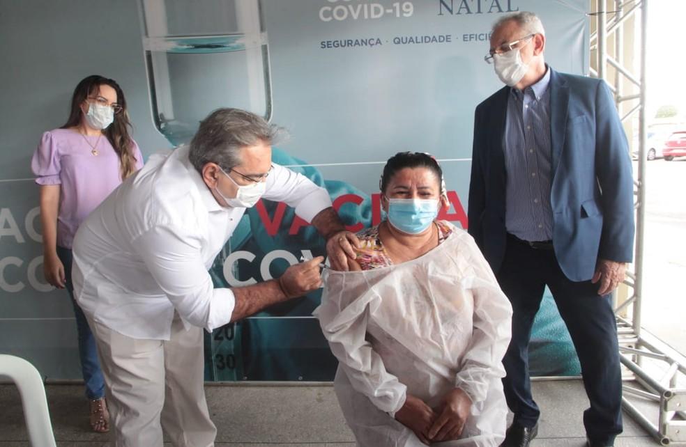 Natal dá início à vacinação contra a Covid-19 — Foto: Alex Régis/Prefeitura de Natal/Divulgação