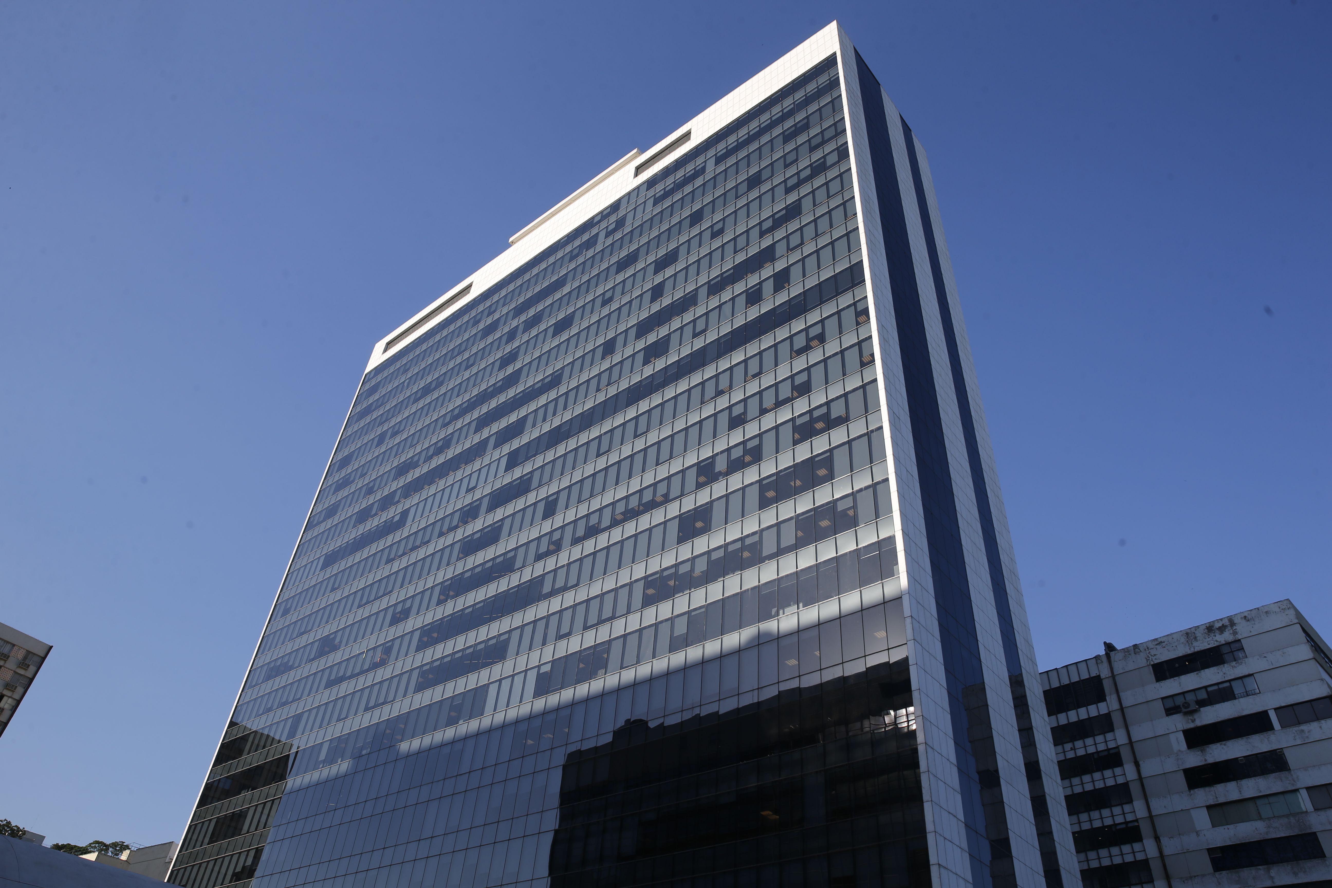 A Torre Niemeyer, em Botafogo: Vale reduz seu espaço no edifício