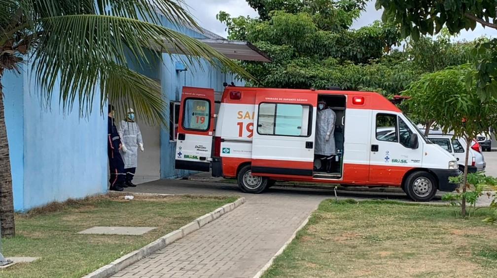 Pacientes estão morrendo antes de conseguirem ser transferidos para leitos de UTI nos hospitais — Foto: Anna Alyne Cunha / Intertv Cabugi