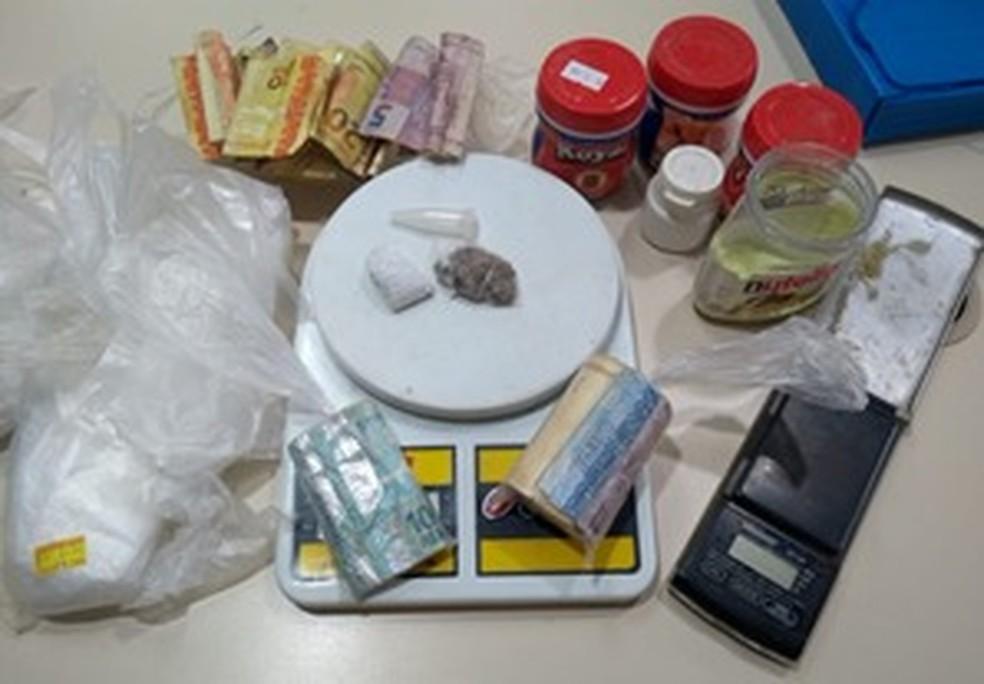 Todo material foi levado para 147ª Delegacia de São Francisco de Itabapoana — Foto: Divulgação/Polícia Militar