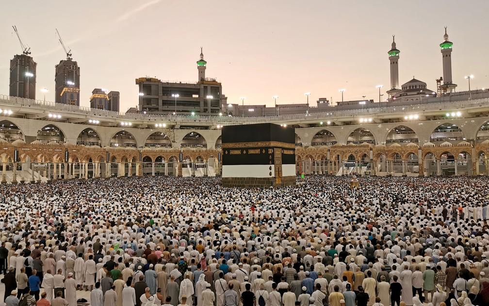 Mais de dois milhões de muçulmanos começaram a peregrinação anual a Meca, na Arábia Saudita — Foto: Reuters/Waleed Ali