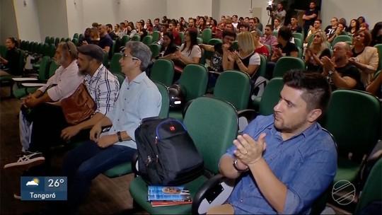 Acadêmicos debatem a importância da formação do jornalista