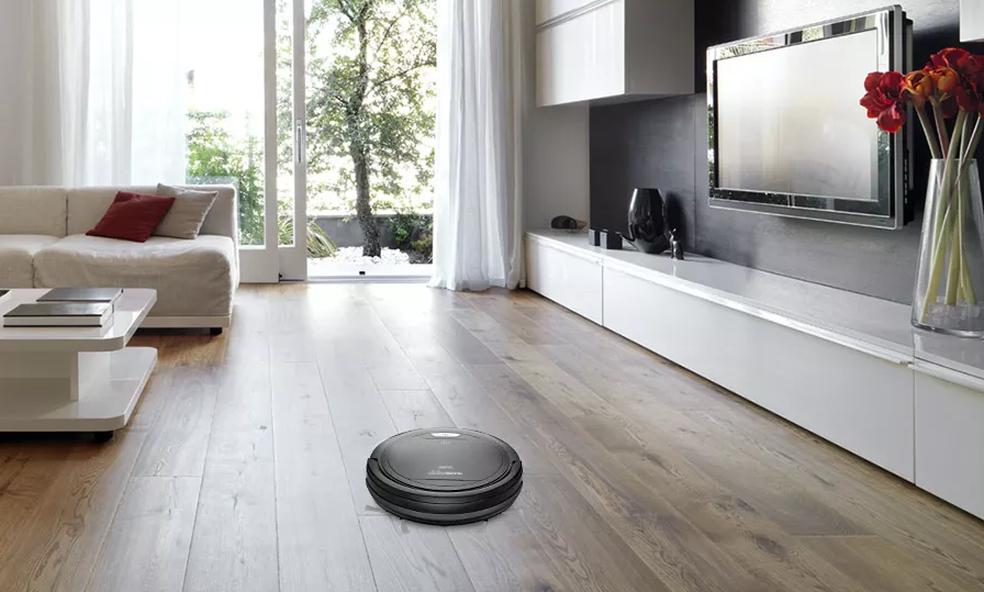 Áreas muito grandes ou ambientes abertos podem dificultar limpeza com robôs (Foto: Divulgação/Polishop)