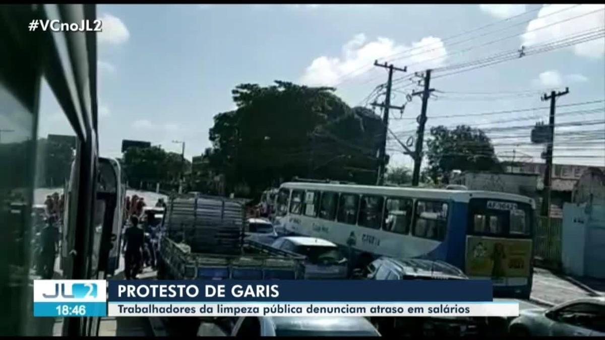 Garis protestam em frente à Sesan, em Belém