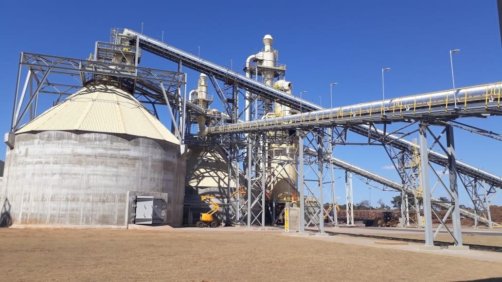 Com investimentos de R$ 675 milhões fábrica de MDF, em Água Clara, chega para 'brigar' com gigantes do setor