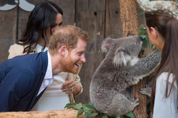 A atriz Meghan Markle e o príncipe Harry durante a viagem do casal pela Austrália (Foto: Getty Images)