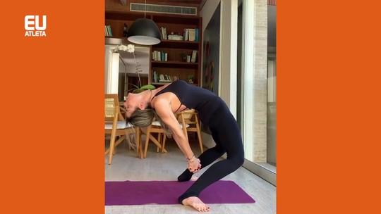 A prática de yoga começa pelos pés, nossa base de sustentação emocional e muscular