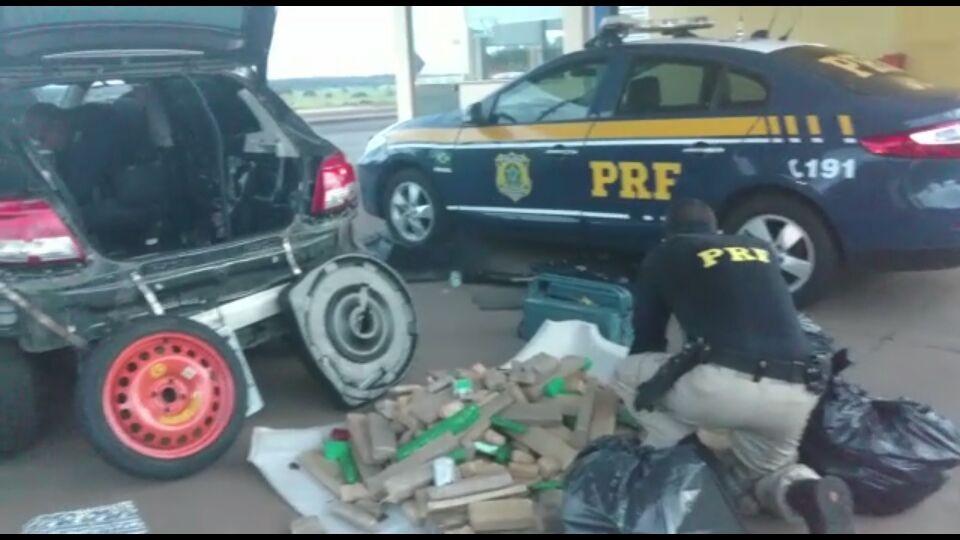 Jovem e adolescente são flagrados em MS com carro locado cheio de droga para entregar em PE