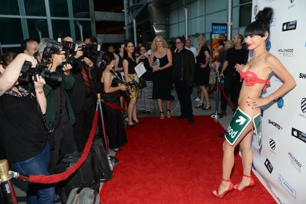 Bai Ling causando no red carpet (Foto: Getty Images)