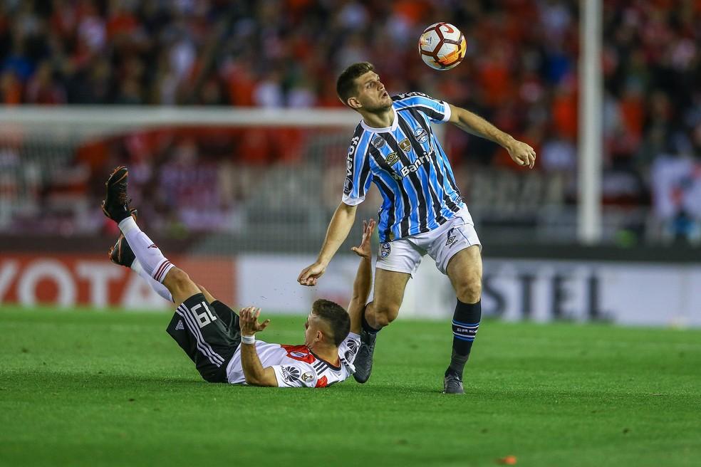 f6866ea304 ... DVG Kannemann renovou recentemente o contrato até 2022 — Foto  Lucas  Uebel   Grêmio