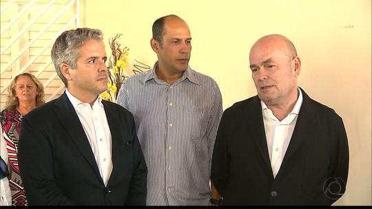 Embaixador e cônsul da Espanha fazem visita de solidariedade a famílias de vítimas de chacina