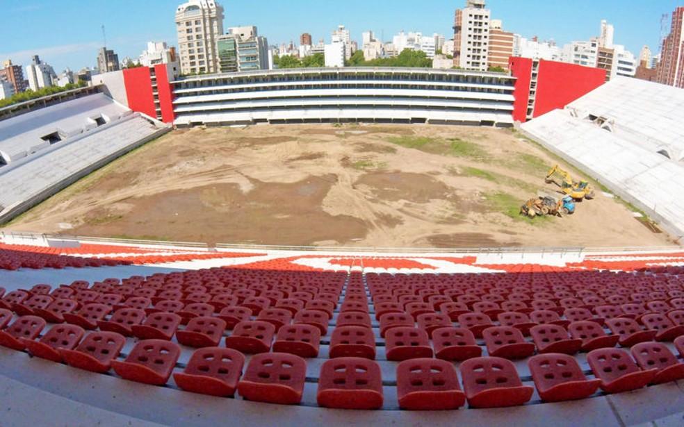 Estadio Jorge Luis Hirschi ainda vai demorar para ser concluído (Foto: Divulgação / Estudiantes)