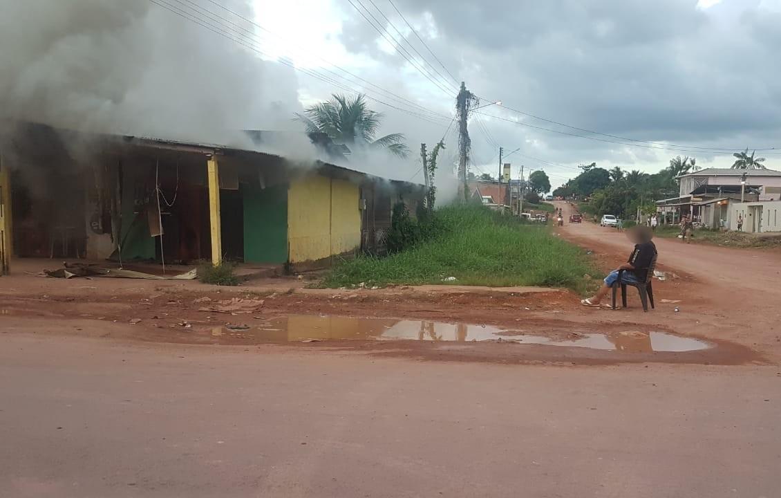 Homem assume para a PM que ateou fogo na própria casa e é preso em Santana, no Amapá