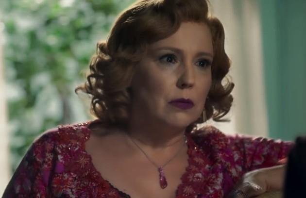 Na sexta-feira (26), Ondina (Beatriz Nogueira) revelará a Luz que é sua mãe (Foto: TV Globo)