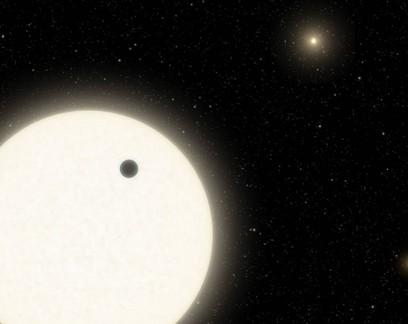 Planeta em sistema com 3 sóis tem existência confirmada pela Nasa