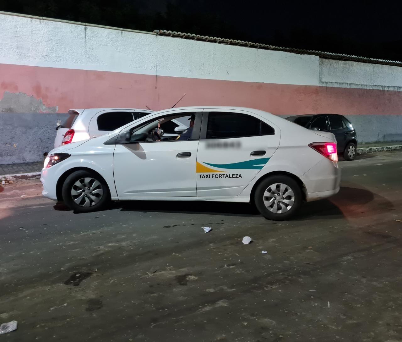 Taxista é suspeito de participar em assalto a padaria em Fortaleza; vídeo