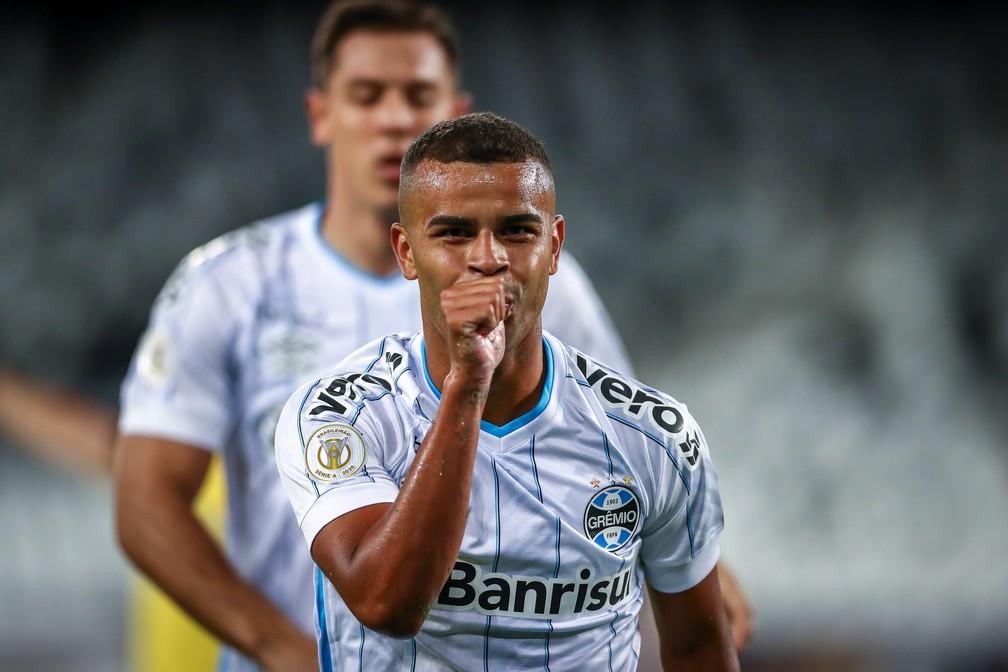 Alisson em vitória do Grêmio sobre o Botafogo — Foto: Lucas Uebel/Grêmio